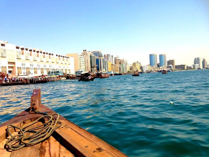 Mit dem Abra über den Dubai Creek