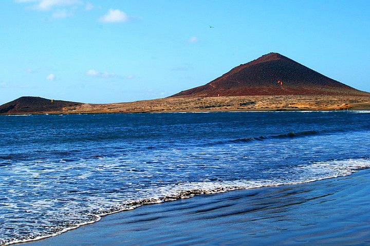 Vulkansandstrand